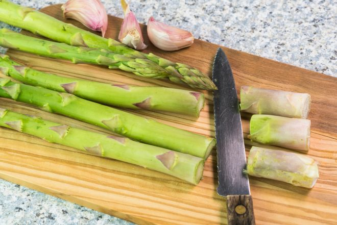 come-pulire-gli-asparagi