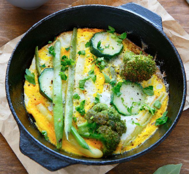 frittata-di-verdure-verdi-broccoli-fagiolini-prezzemolo