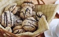 merende-per-la-scuola-biscotti-leggeri-nocciola-e-mandorla-decorati-al-cioccolato