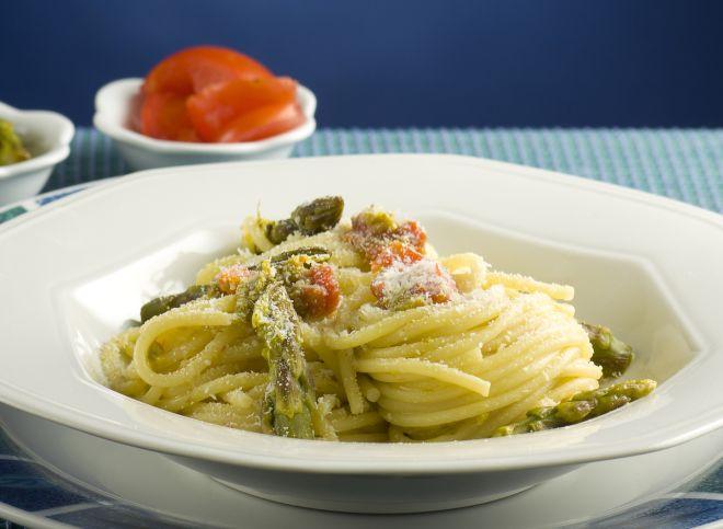 spaghettini-con-ricotta-e-asparagi-svezzamento-9-mesi