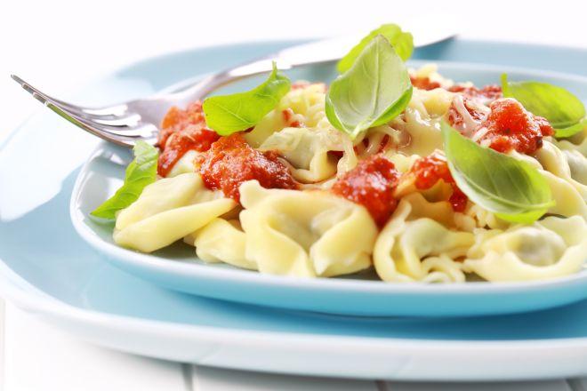 tortellini-con-pomodoro-e-basilico