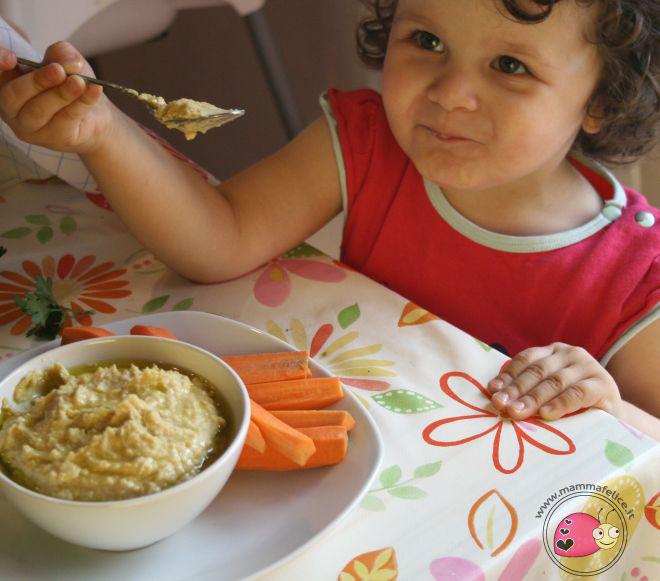 bambini-alimentazione-assaggiare-cibi-nuovi