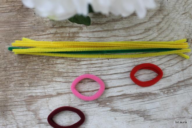 fermacapelli-con-fiore-fatto-con-gli-scovolini