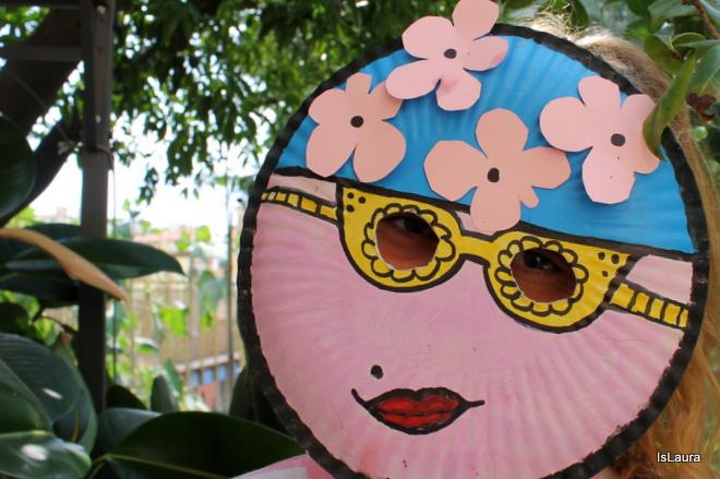 maschera-vintage-con-piatto-di-carta-