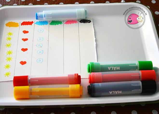 montessori-attivita-vita-pratica-motricita-fine-disegnare-con-i-timbri-contare-numeri-appaiamenti-di-colore