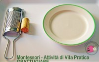 montessori-attivita-vita-pratica-motricita-fine-grattugiare