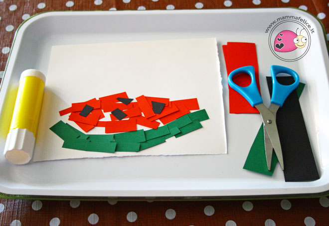 montessori-attivita-vita-pratica-motricita-fine-usare-le-forbici-ritagliare-incollare-collage