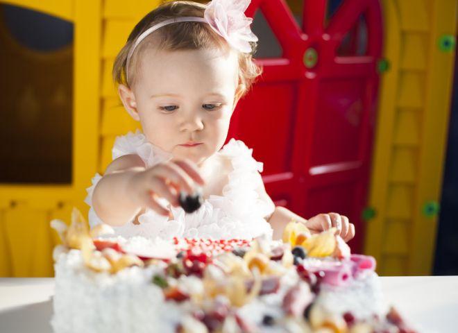 tappe-sviluppo-bambino-neonato-12-mesi