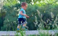 tappe-sviluppo-neonati-bambini-10-mesi-di-vita