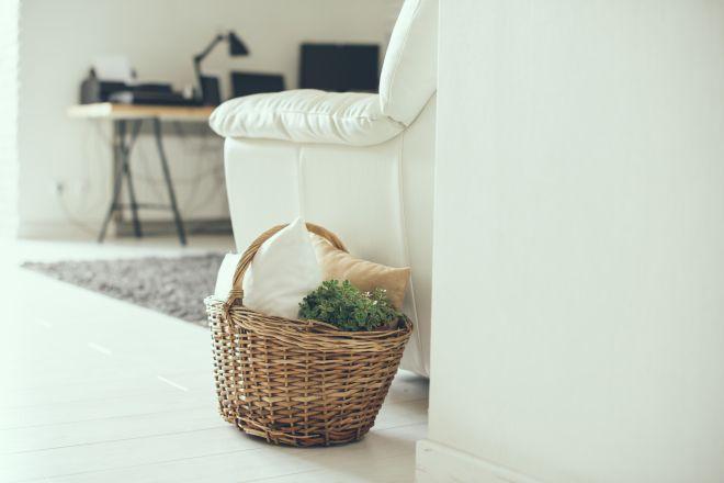 Come pulire e ravvivare un divano in ecopelle e pelle - Pulire divano microfibra ...