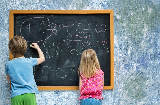 idee-consigli-come-fare-apprezzare-compiti-delle-vacanze-bambini-scuola-studiare
