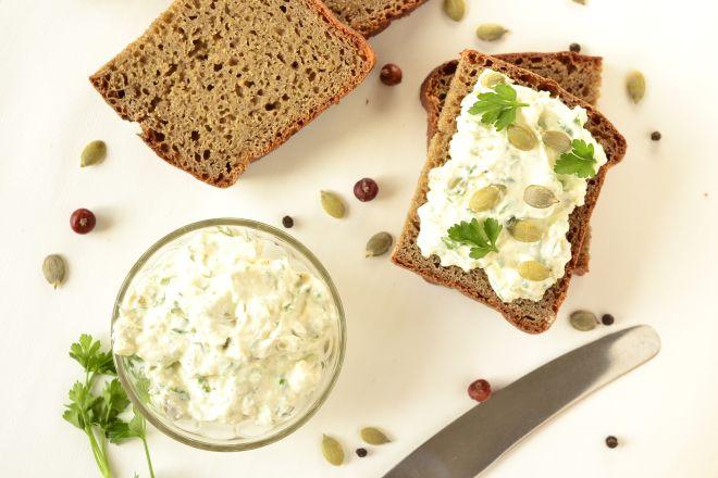 idee-per-una-colazione-sana-dieta-leggera-pane-tostato-salato