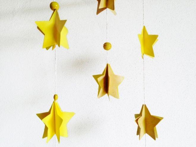 Idee fai da te per decorare la cameretta mamma felice for Decorazioni da appendere al soffitto