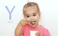 lavoretti-per-bambini-con-vasetti-yogurt-vetro-plastica