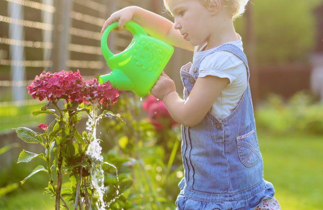attivita-aperto-giardino-montessori-bambini2-3-anni