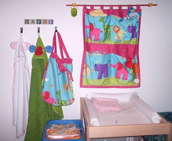 come-organizzare-cameretta-neonato-casa-per-cambio-pannolino-montessori-09