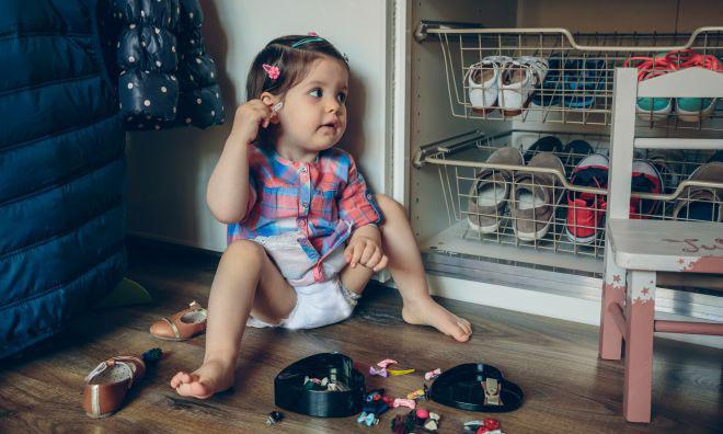 come-organizzare-cameretta-neonato-casa-per-cambio-pannolino-montessori