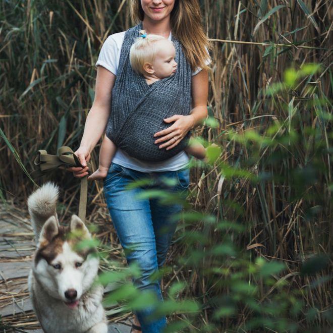 attaccamento-parentale-attachment-parenting-allattamento-dipendenza-autonomia