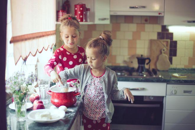 attivita-montessori-vita-pratica-facili-bambini