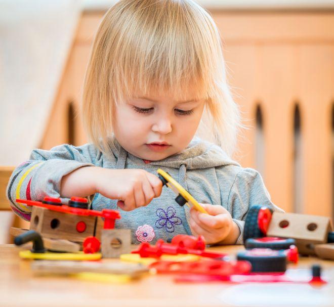 Giochi per stimolare i neonati mamma felice for Giochi per bambini di un anno