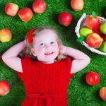 Bambini a tavola secondo il Metodo Montessori