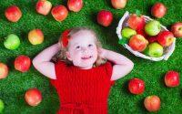 bambini-tavola-pappa-svezzamento-autosvezzamento-metodo-montessori