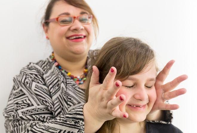 rapporto-madre-figlia-sereno-felice-creativo_mammafelice