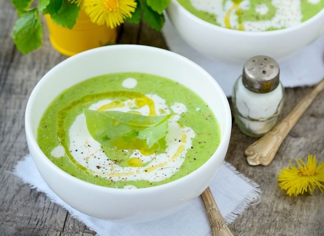 ricette-vegetariane-crema-piselli-yogurt