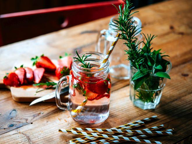 apericena-aperitivo-rustico-vini-bevande-menu-buffet