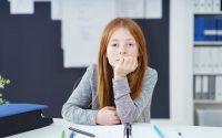 bambini-delle-elementari-pedagogia-contrattazione-dialogo-relazione-genitori