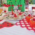 Festa di compleanno a tema frutti rossi