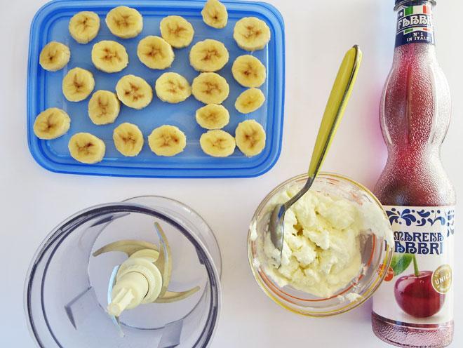 gelato-senza-gelatiera-yogurt-amarena-fabbri-banana