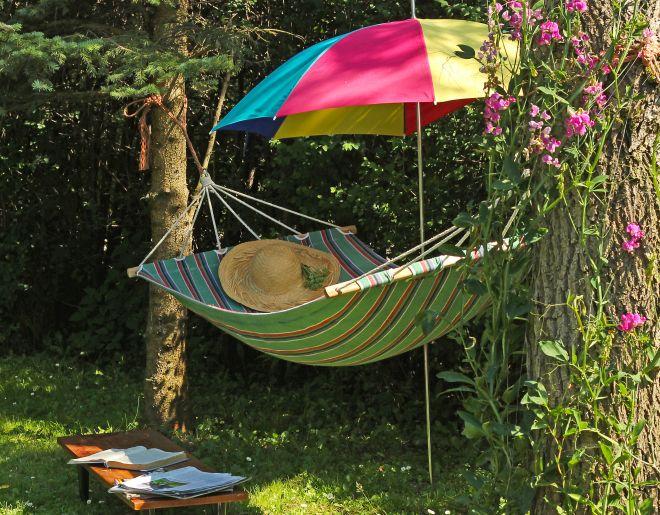 idee-per-arredare-rendere-bello-piccolo-giardino-estate
