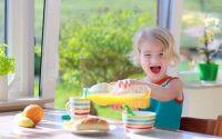 esercizi-motricita-fine-bambini-metodo-montessori