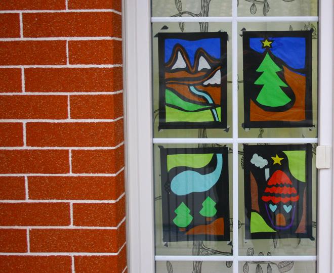 Lavoretti di natale per bambini decorazioni per finestre - La casa con le finestre che ridono ...