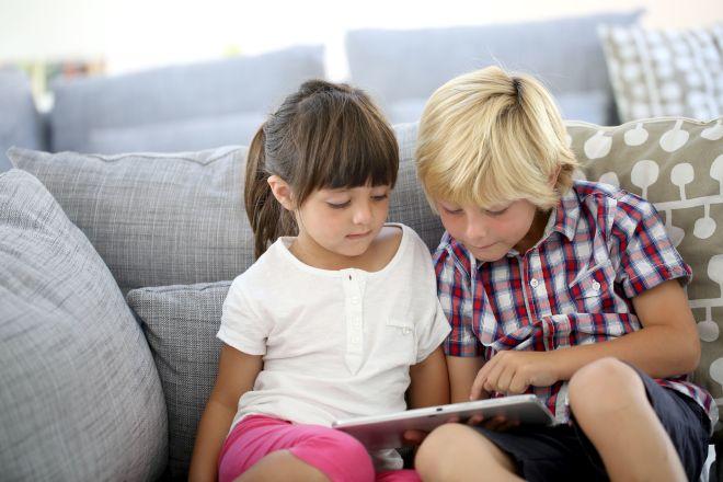 bambini-socialnetwork-pericoli-internet-privacy-multe