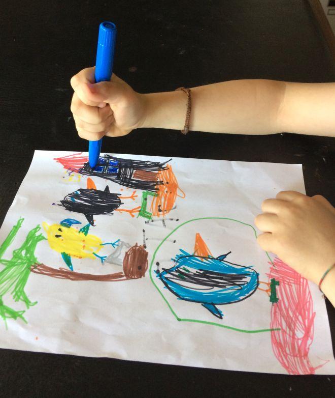 come-correggere-impugnatura-penna-bambini-disgrafia