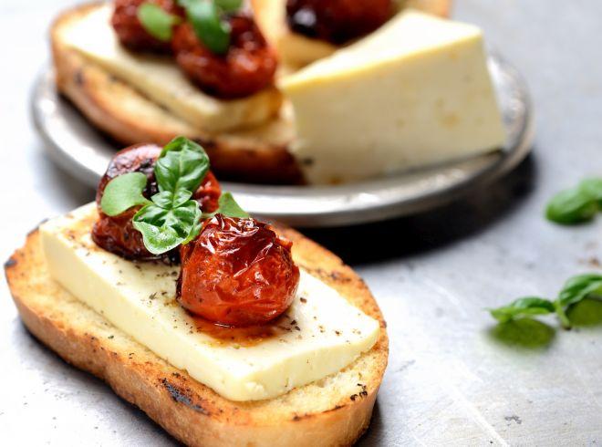 ricette-vegetariane-menu-pasqua-pasquetta_bruschette-pomodori-confit