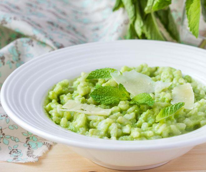ricette-vegetariane-menu-pasqua-pasquetta_risotto-piselli-asparagi-spinaci