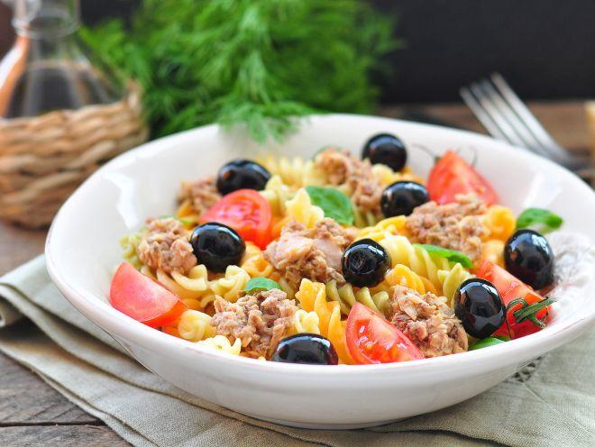 idee-ricette-pranzo-al-sacco-freddo-centro-estivo-estate-ragazzi_insalata-riso-verdure