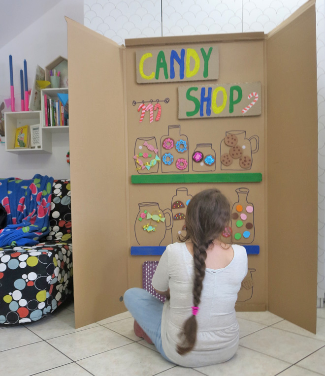 Lavoretti con il legno e il cartone riciclato il negozio for Borgione arredi