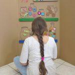 Lavoretti con il legno e il cartone riciclato: il negozio di dolcetti