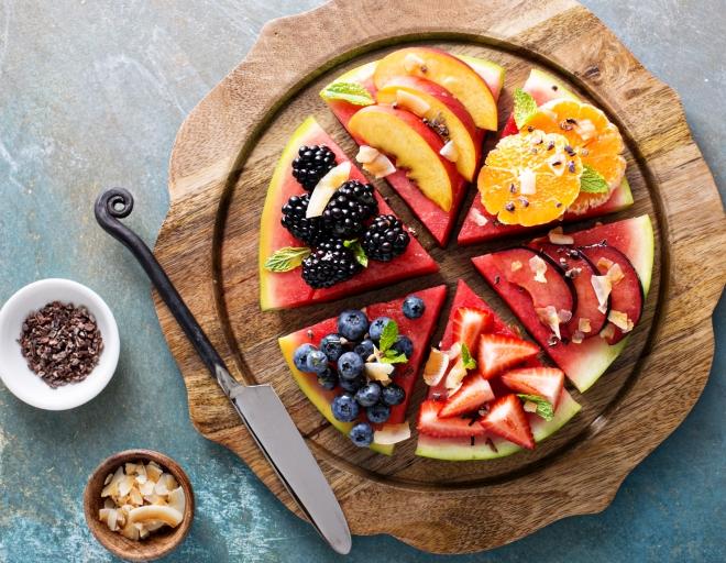 come-fare-torta-di-anguria-frutta-panna-dessert-yogurt-cioccolato