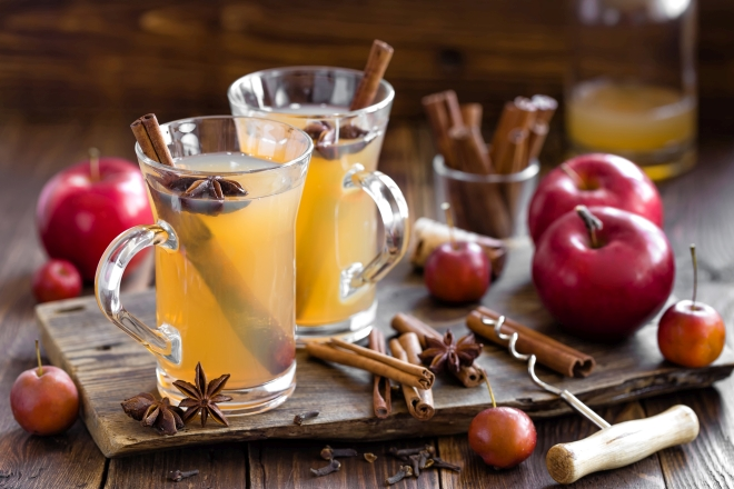 sidro-di-mele-caldo-analcolico-alcolico