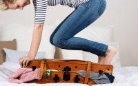 come-organizzare-valigia-per-far-entrare-tanti-vestiti
