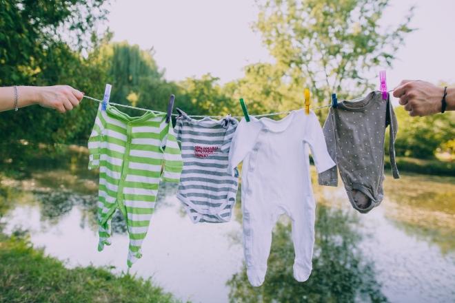 come-lavare-vestiti-neonato