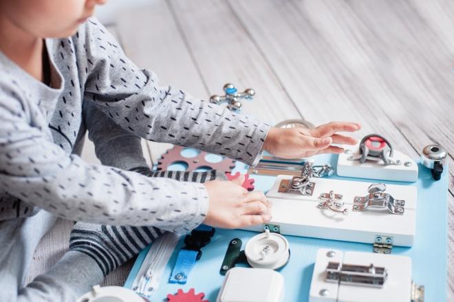 giochi-e-prodotti-montessori-gli-strumenti-per-applicare-il-metodo