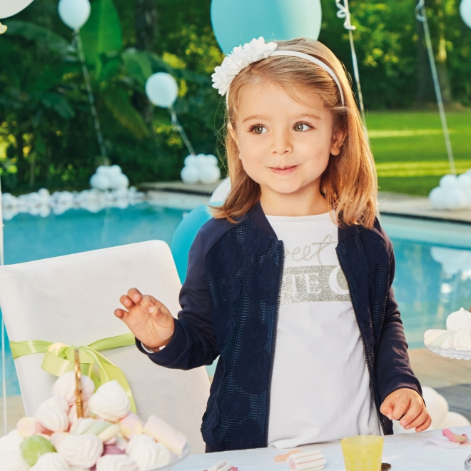 abbigliamento-comodo-bambini-secondo-principi-metodo-montessor