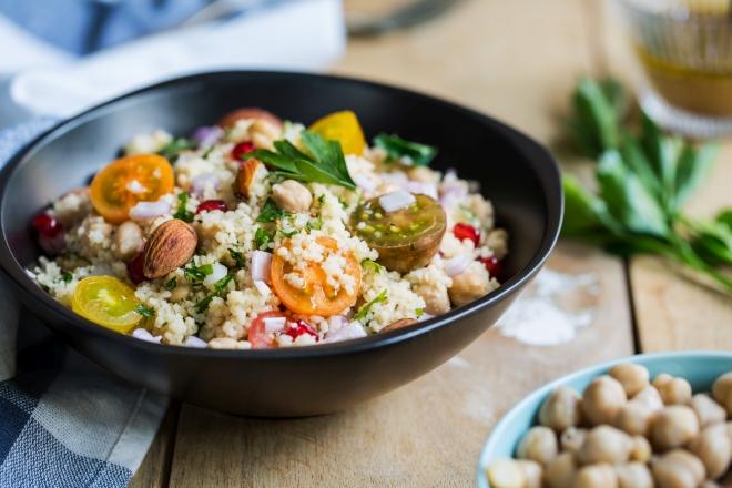 che-spesa-fare-per-non-cucinare-ricette_couscous-ceci-pomodorini