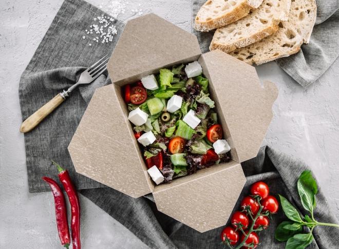 che-spesa-fare-per-non-cucinare-ricette_insalata-feta-olive-pomodorini-cetrioli
